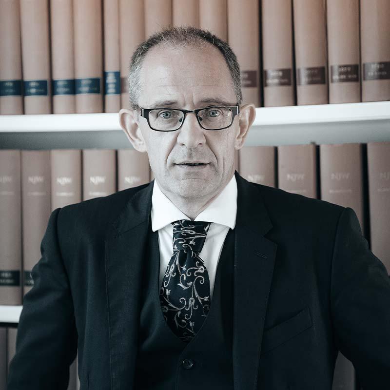 Rechtsanwalt Finanzrecht Herbert Jakobs