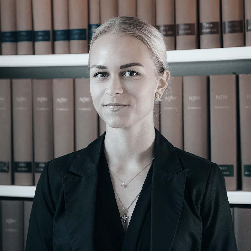 Rechtsanwaltsfachangestellte Alisa Martel